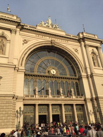 BUDAPESTE – o outro lado da beleza, a crise dos refugiados