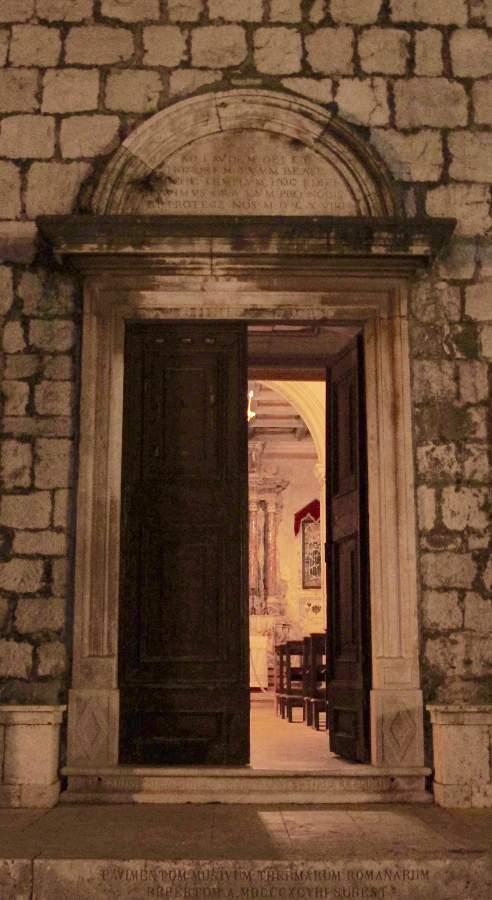 Stari Grad Ilha de Hvar Igreja S. Peter Detalhe Porta