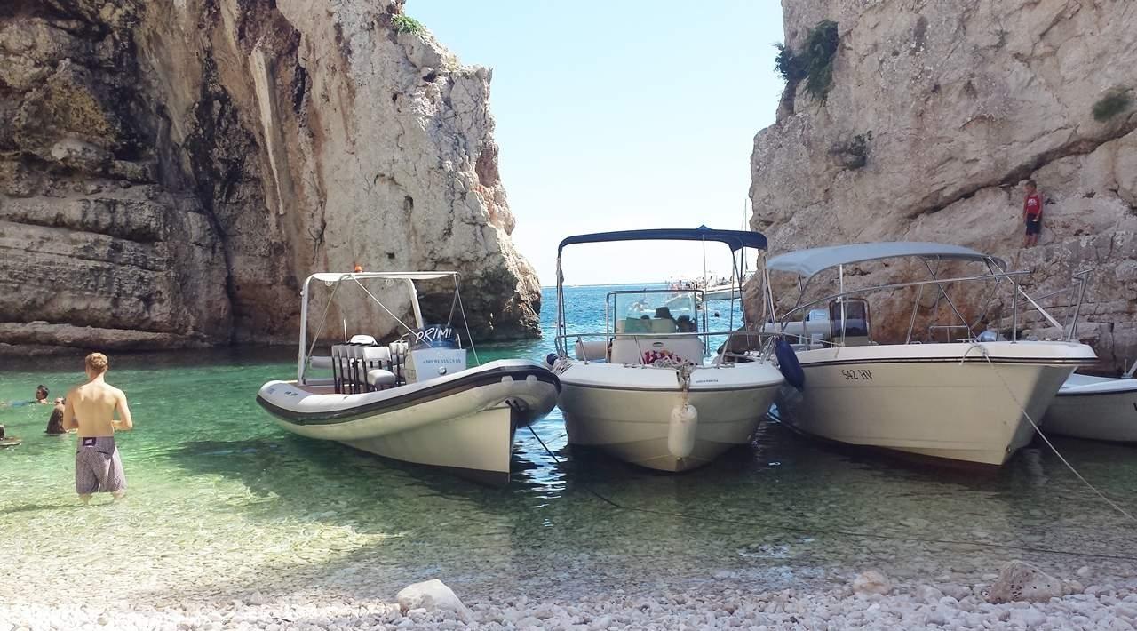 Croacia Ilha Vis praia Stiniva