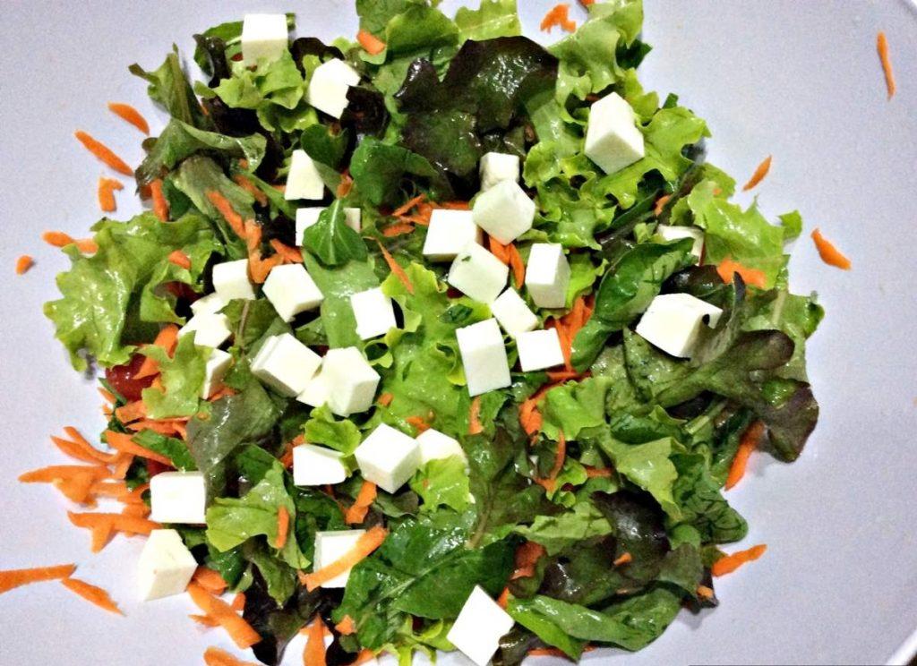 Camarão com Molho de Mel Salada