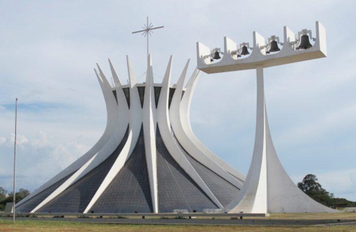 Catedral Metropolitana Nossa Senhora Aparecida – uma das 5 igrejas históricas de Brasília