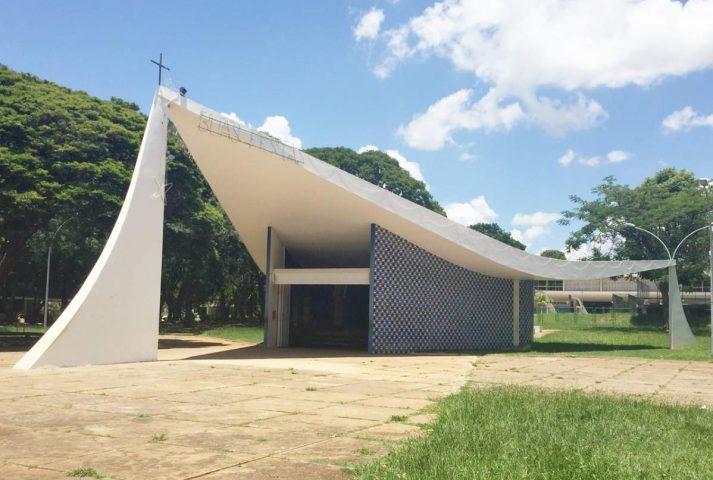 Igreja Nossa Senhora de Fátima – uma das 5 igrejas históricas de Brasília