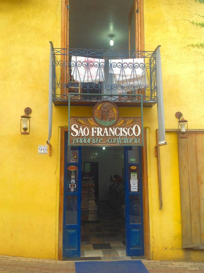 atrações imperdíveis no centro de Gonçalves Padaria e Confeitaria São Francisco