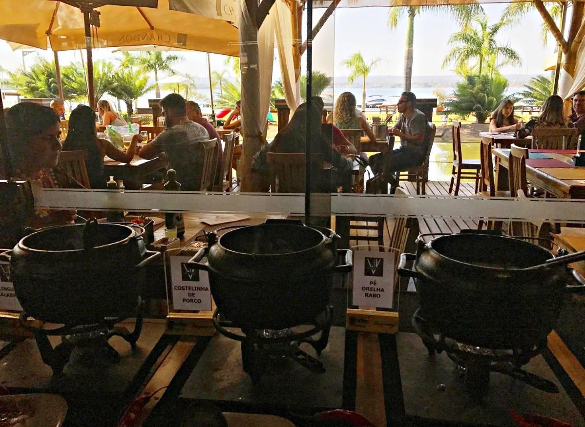 Restaurante Liv Lounge Feijoada e ambiente