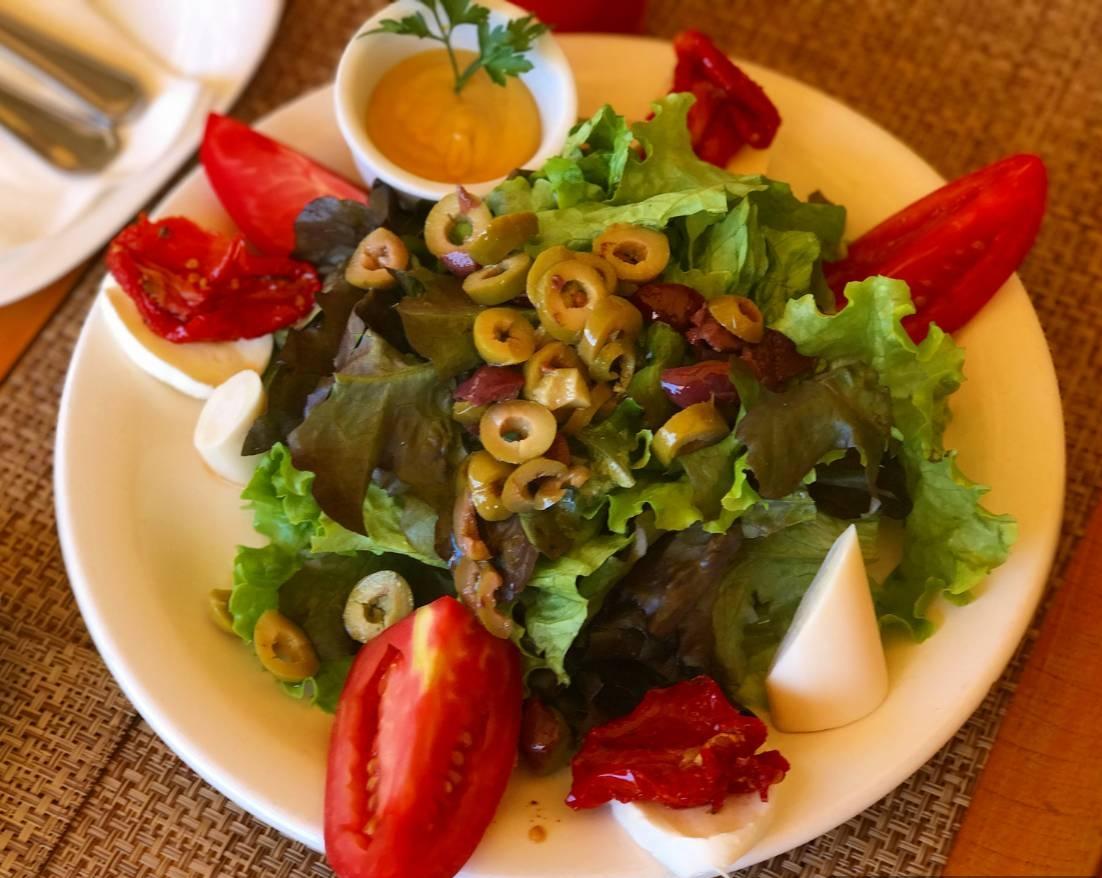 Restaurante Liv Lounge Salada