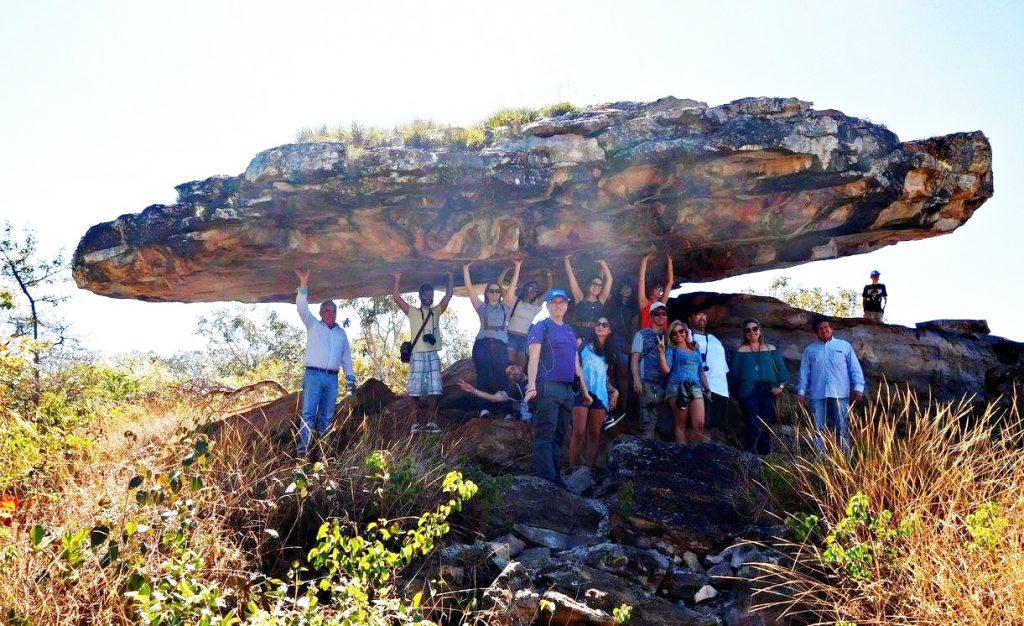 Grupo Vem Pro Cerrado na Pedra Chapéu do Sol