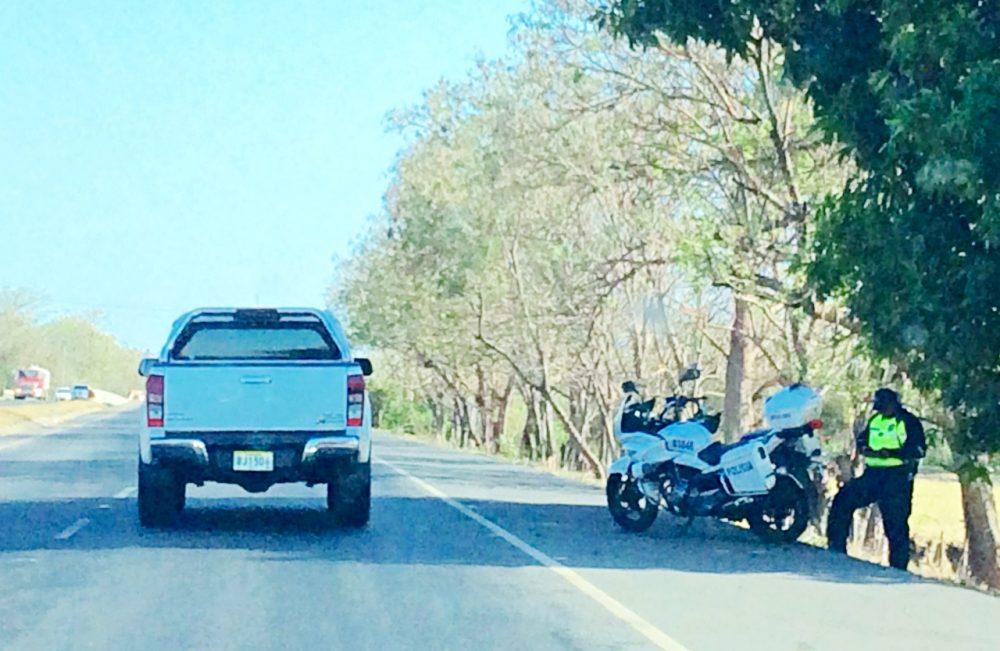 Policiamento nas estradas panamenhas