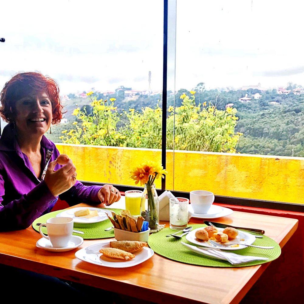 Pousada Lofte da Serra - Sylvia no café