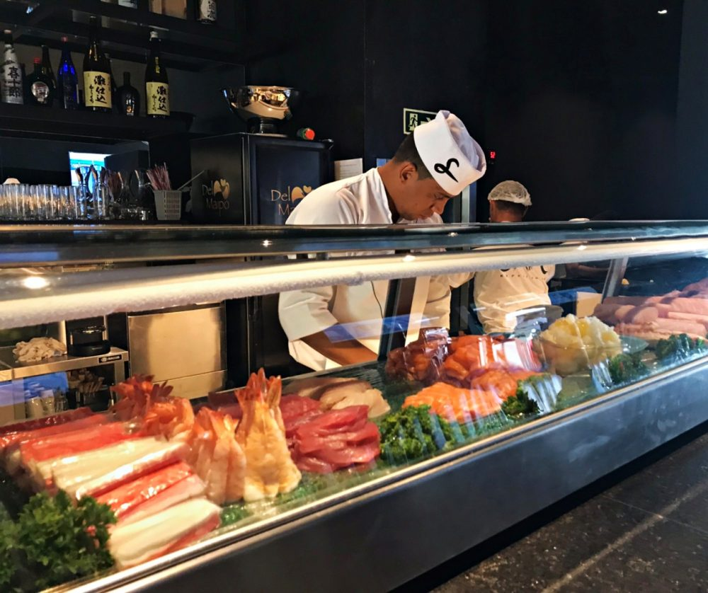 Sushi San Experience - preparo pratos
