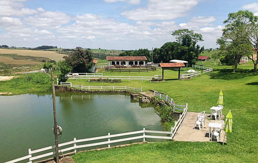 Passeio perto de Curitiba na Ponyland - o lago