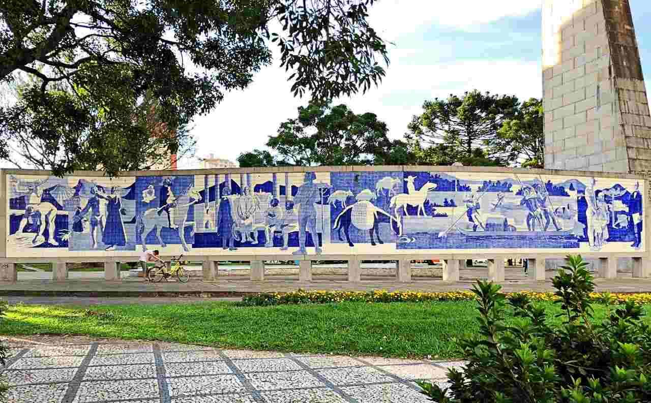 Painel de Poty Lazzarotto - Emancipação Política do Estado do Paraná