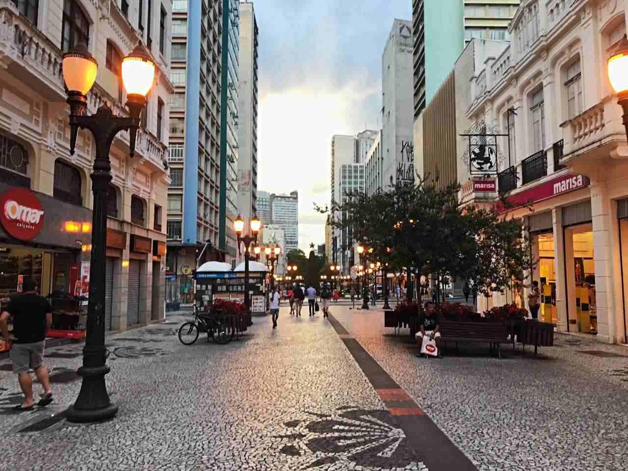 Como conhecer Curitiba em 42 atrações - Rua XV de Novembro