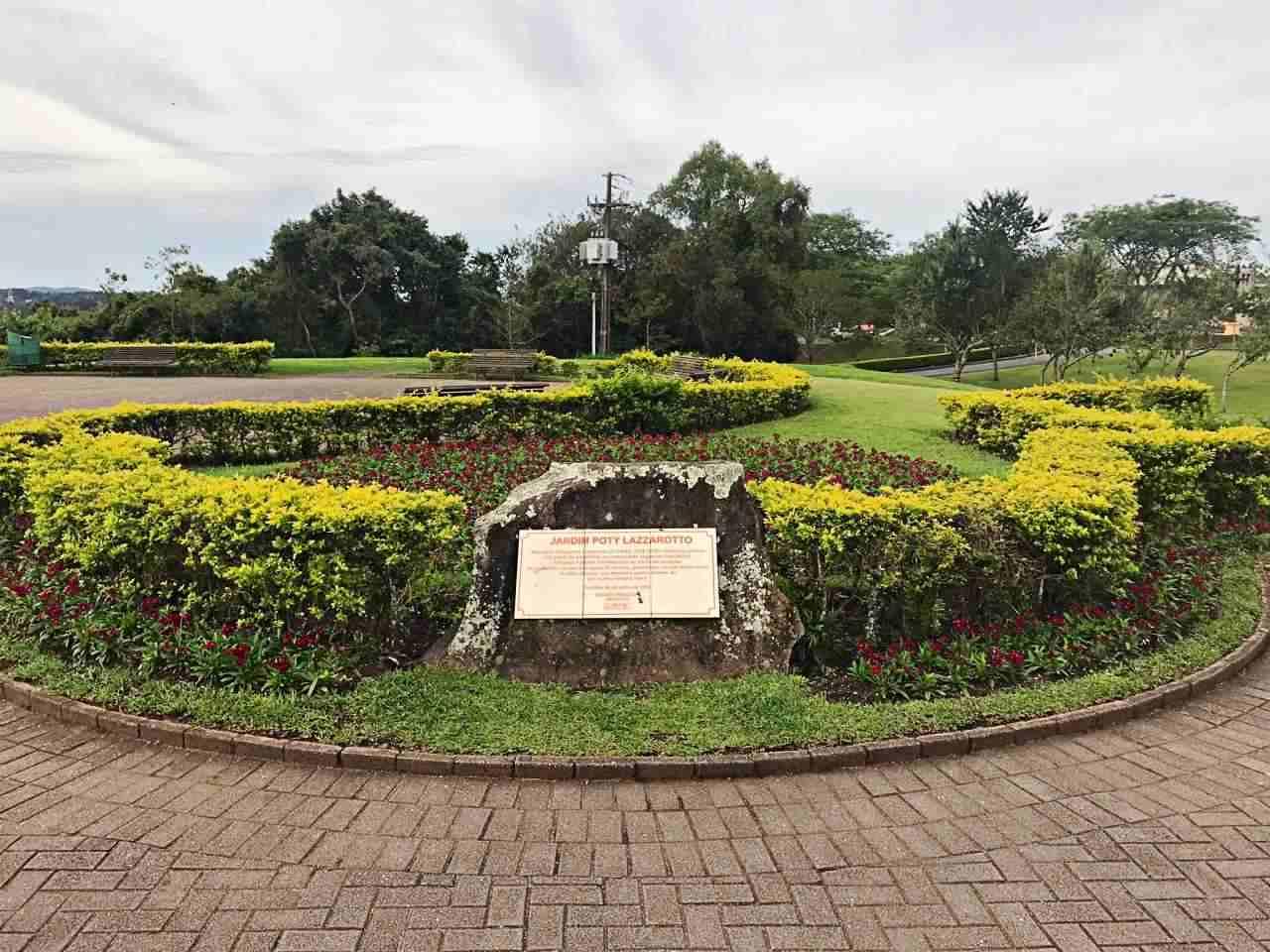 Como conhecer Curitiba em 42 atrações - Jardim de Poty Lazzarotto