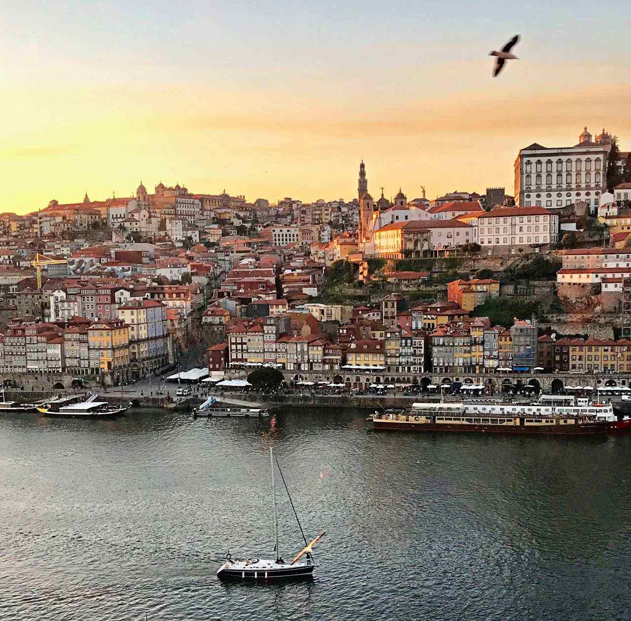 Ribeira do Porto visto de Vila de Gaia
