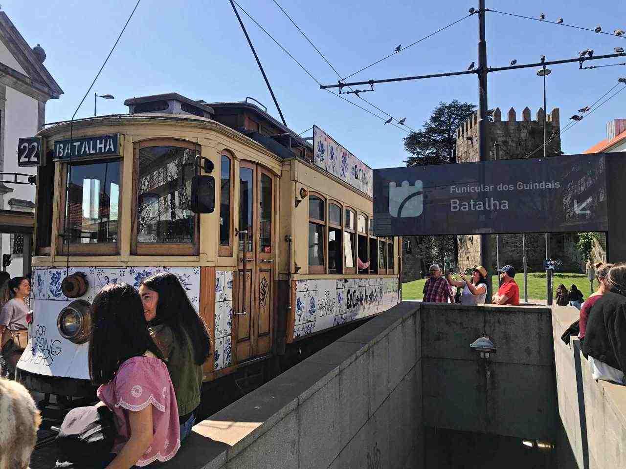Funicular dos Guindais, estação Batalha - O que fazer em Porto Portugal