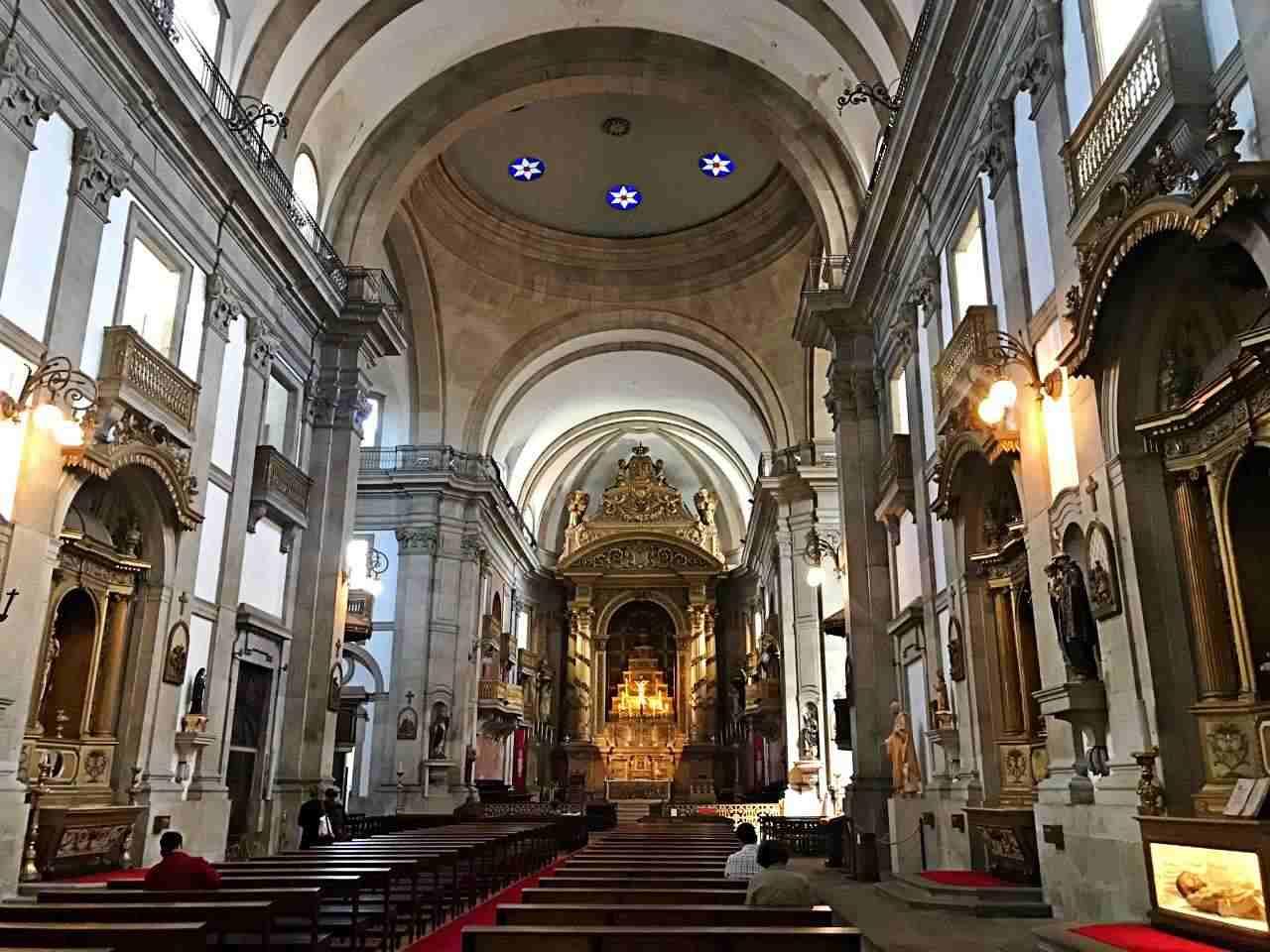 Igreja da Trindade - - o que fazer em Porto Portugal