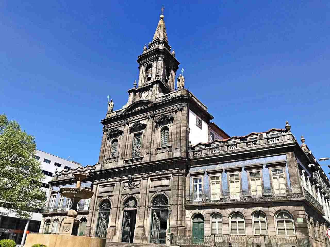 Igreja da Trindade - o que fazer em Porto Portugal