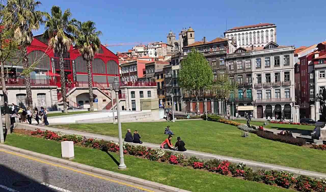Jardins - O que fazer em Porto Portugalda Praça do Infante