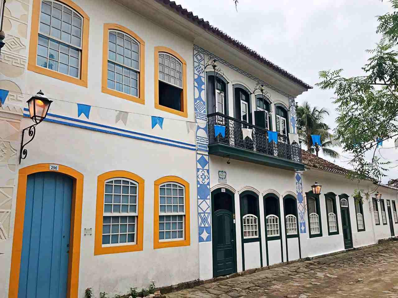 Casas Coloniais Portas e Janelas