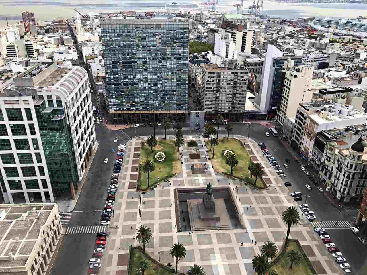Praça da Independência vista do alto do Palácio Salvo - Montevideo