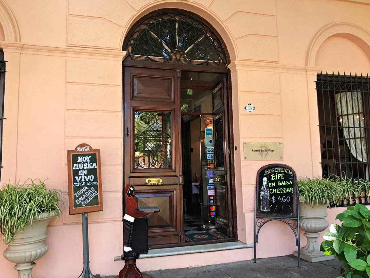 Restaurante Mesón de la Plaza - colonia del Sacramento