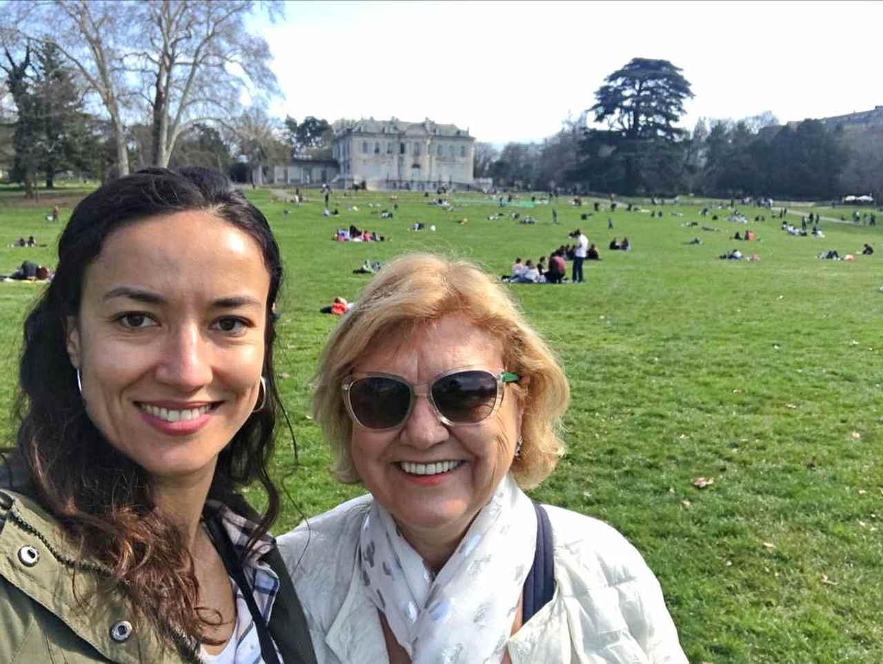 Nadia e sua mãe Parque La Grange - Genebra