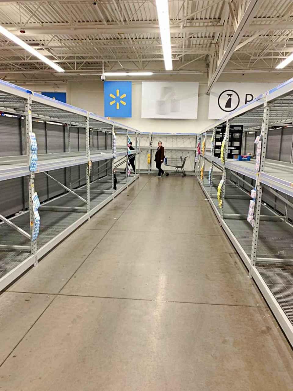 Supermercado, falta de produtos de limpeza