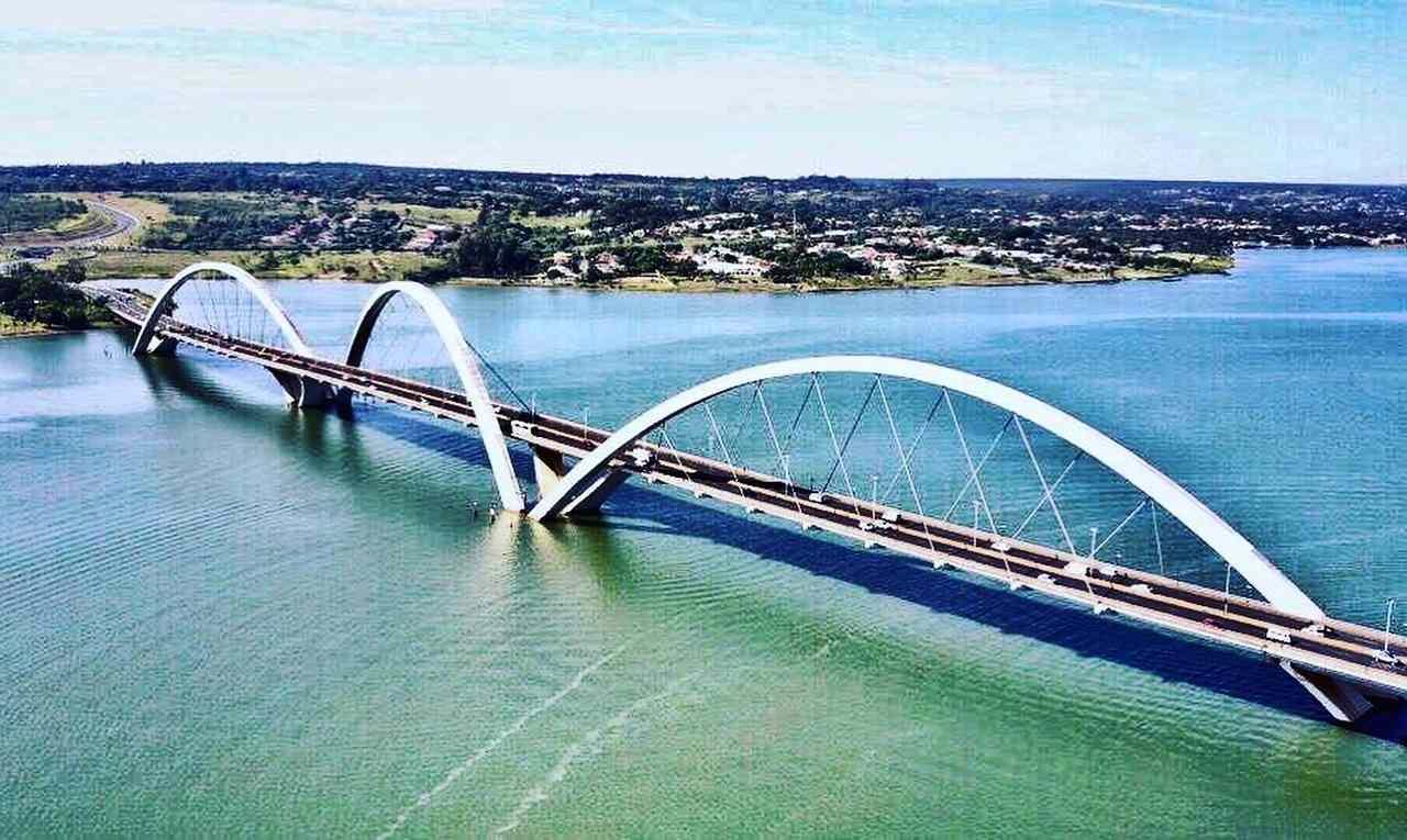Ponte Jucelino Kubistchek (JK) Brasília