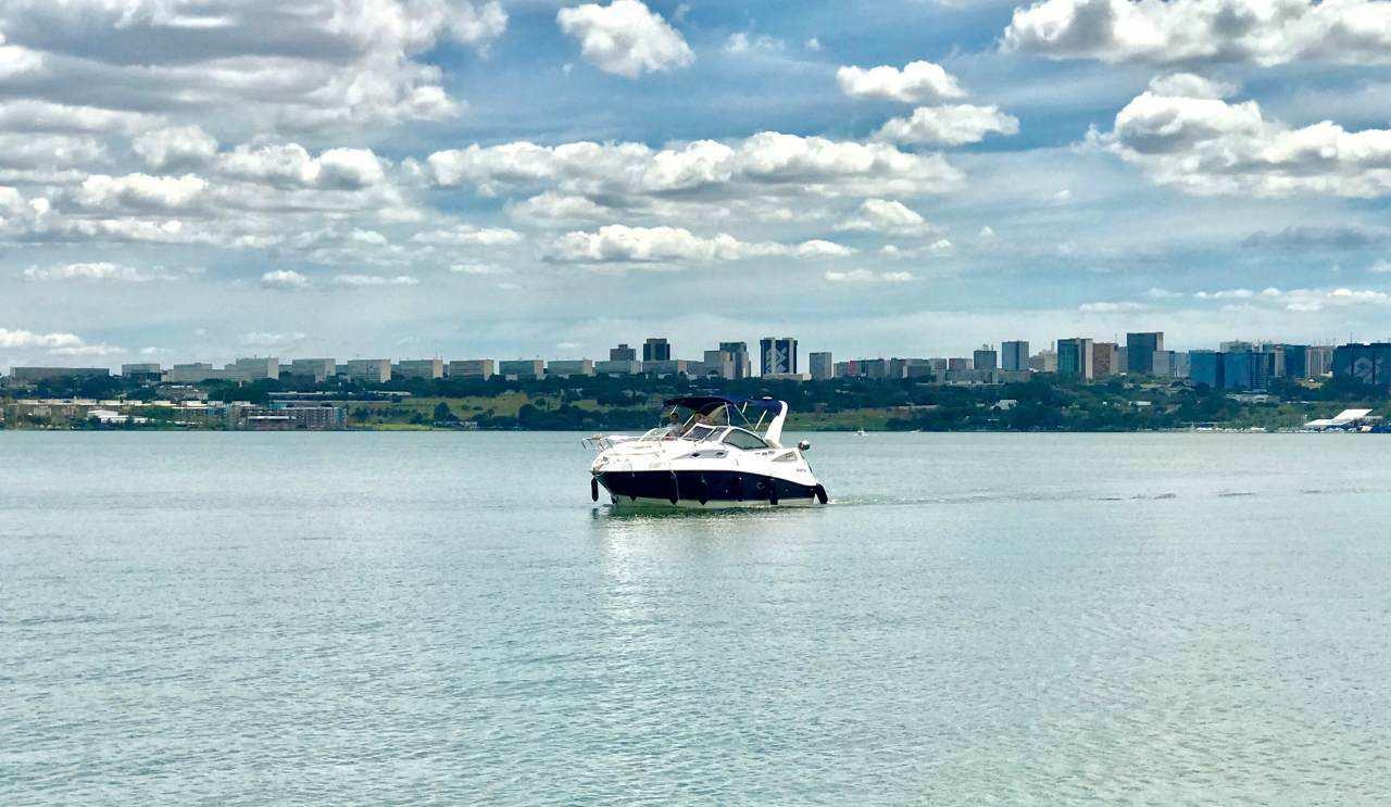 Lago Paranoá, vista para Plano piloto